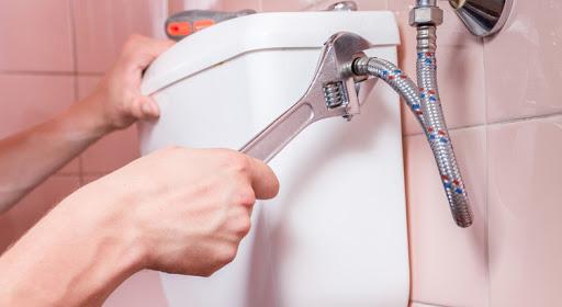 éviter-fuites-d'eau-toilettes