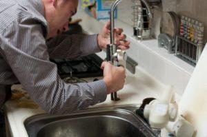 Comment trouver une fuite de plomberie ?